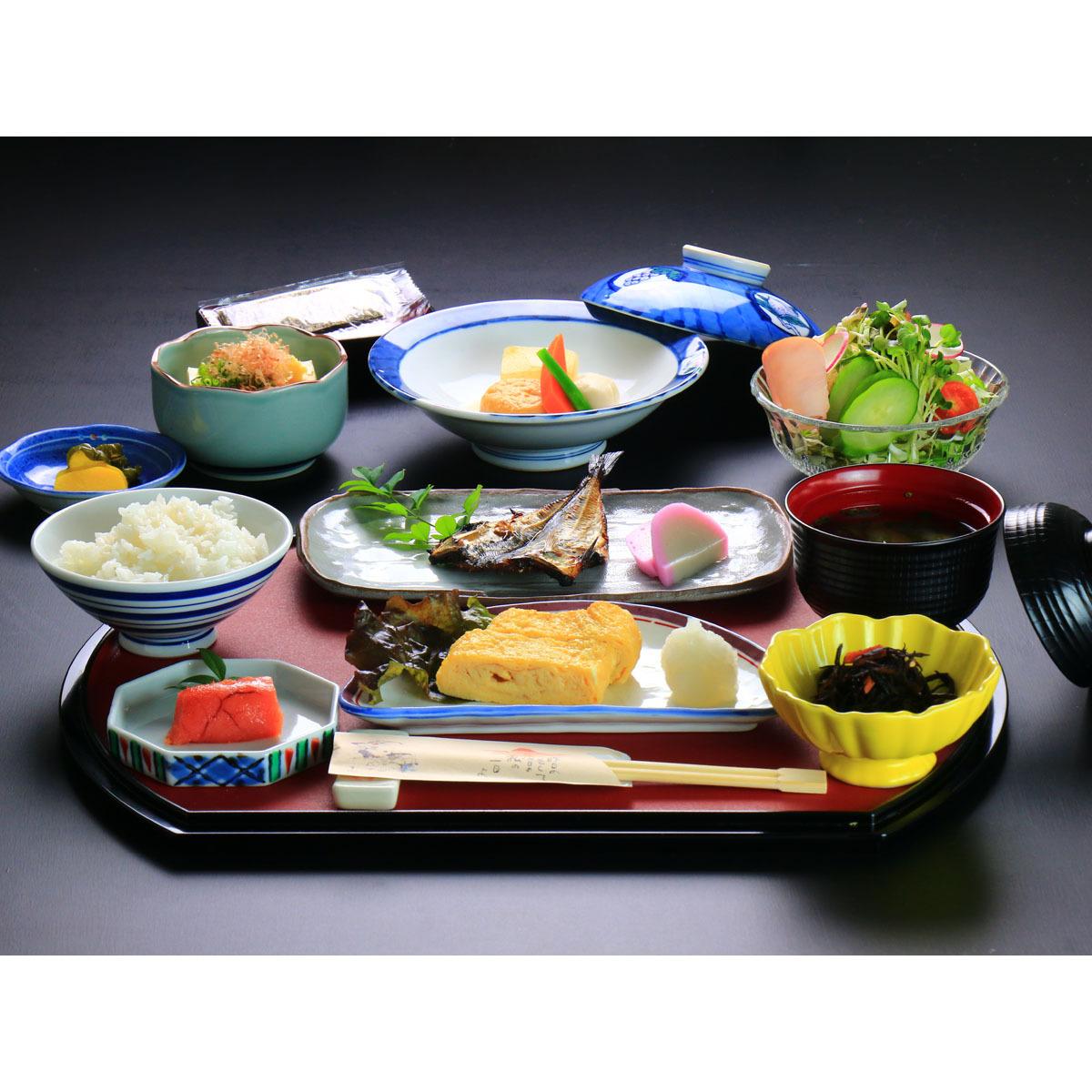 雲仙の農家から直接仕入れたお米に合わせた食材で朝を彩ります♪