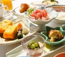 【一泊朝食】栄養バランスを考えた定食スタイル≪気仙沼の味じまん朝ごはん≫