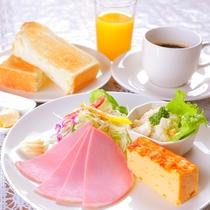 ◆洋朝食◆朝はパン派の方に◎トースト・サラダ・玉子料理のプレートで朝から元気♪