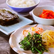 ◆韓国料理夕食ごはんセット◆韓国のりにナムル・キムチ!これだけでもごはん何杯も食べられそう♪