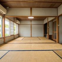 *【客室一例/旧館大部屋】旧館で少し古いですが、広々快適にお得に宿泊できます。
