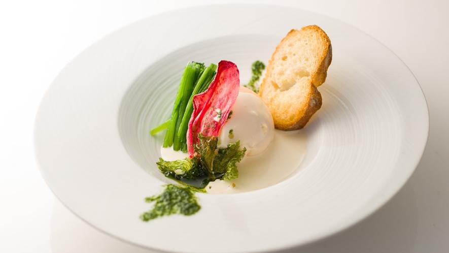 魚料理一例 佐久産大鱒のムース