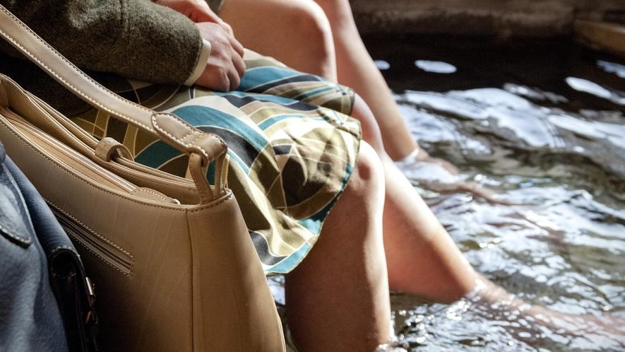 諏訪湖畔公園 足湯もお楽しみ