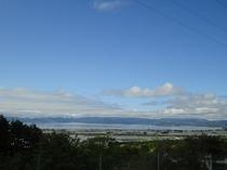 猪苗代湖と田園風景
