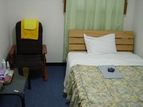 2F セミダブルルーム217号室≪学生様向け≫<二名様宿泊可>バストイレは共同