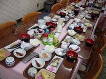 朝食メニューの一例。*工事等ビジネス滞在夕食対応可!