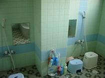 一階。共同浴場、内鍵有り