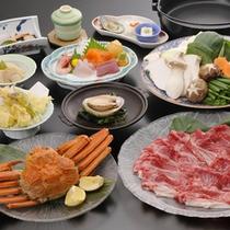 *ご夕食(料理一例)/「信州牛すき焼き会席」と追加注文のずわい蟹(要予約)。