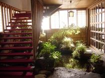 別棟レストランかしわ / 2階大広間階段