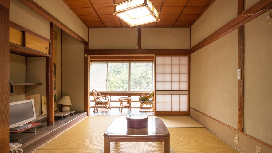 *【和室6畳】古き良き日本建築の魅力が光るお部屋。