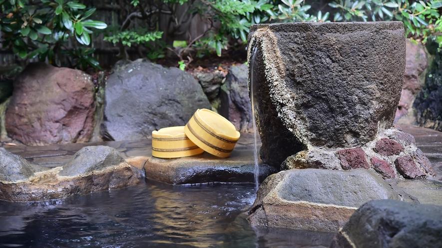 当館の湯は天然掛け流し100%でございます