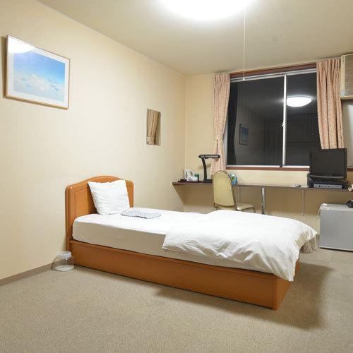 兵庫県姫路市広畑区正門通3-4 ビジネスホテルくろがね旅館 -02