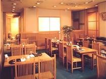 日本料理 「山茶花」 ホテル地下1階 昼・夜と営業しております。