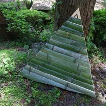 竹の三角パネル