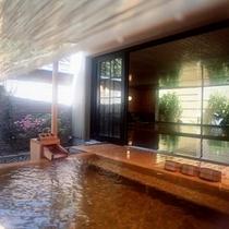 大浴場【青嵐】の露天風呂:昼