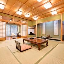 *特別室・蘭石亭(客室一例)/床の間に掲げられた勝海舟の書。歴史を愛でなら贅沢な休日をお過ごし下さい。