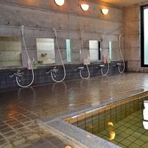 *【男性大浴場】1日の疲れを癒す大浴場は、24時間いつでも入浴できます。