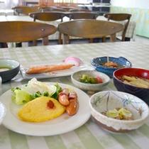 *【朝食メニュー一例】卵料理に焼き魚等たくさん食べて行ってらっしゃいませ!