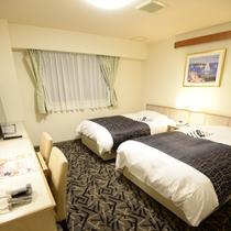 デラックスツイン(アパオリジナルベッド「クラウドフィット」採用 / ベッド幅120cm×2台 )