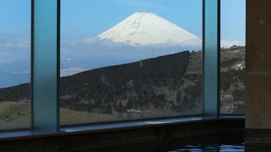 ■富士山を眺める大浴場