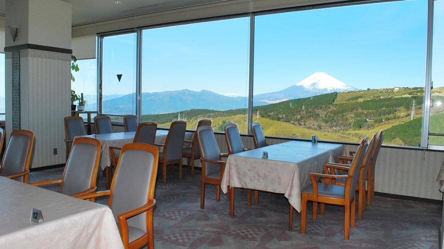 ■レストランからのぞむ富士山