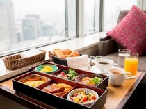 「松花堂弁当」スタイルでお届けする朝食ルームサービス