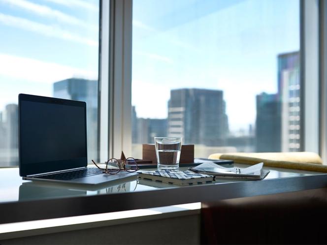 昼も夜も時間を問わず、窓の外に広がる眺望をお楽しみいただけます。