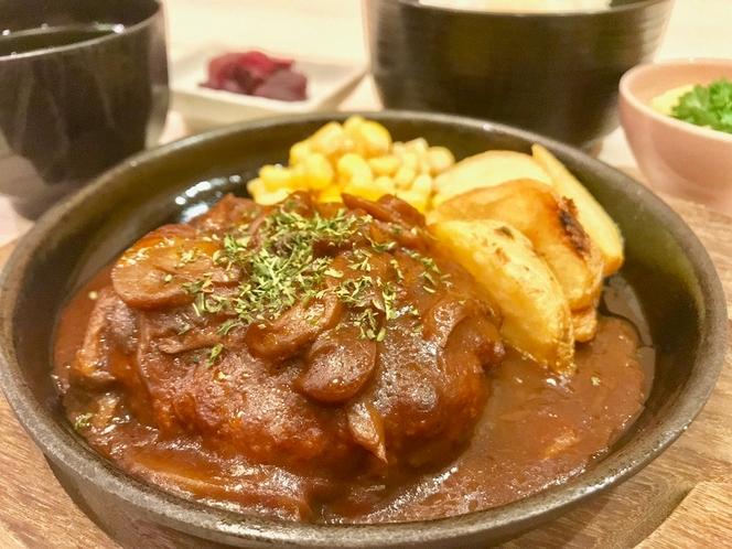 ◆夕食プラン②デミハンバーグ◆