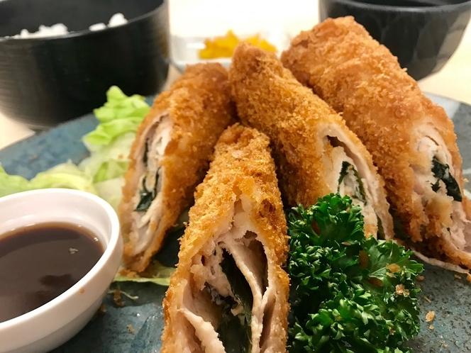 ◆夕食プラン③豚ロース梅しそロール揚げ◆