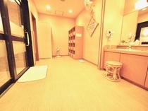 ◆女性大浴場・脱衣所・ランドリー1機設置◆