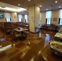 朝食レストラン会場 朝6:30~9:00(冬期6:45~9:00)宿泊者のお客様ご朝食無料サービス