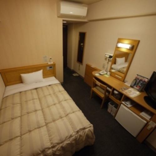 【シングルルーム】セミダブルサイズのベッドでゆったり♪全室空気清浄加湿器・無料Wi-Fi完備!