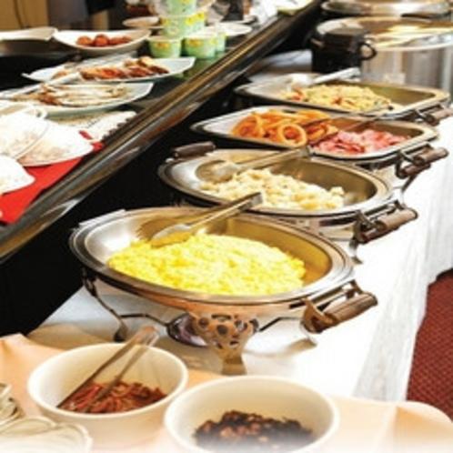 □朝レストラン花茶屋にて□・・・毎日の活力は朝食から!御宿泊者様無料の朝食バイキングです。