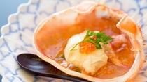 春の料理一例:酢物紅蟹酢ゼリー掛け