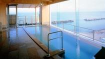 地上27mの大浴場は絶景!もちろん温泉。