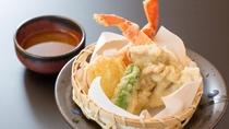 冬の料理一例:カニ天ぷら