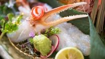 冬の料理一例:カニ刺し