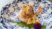 春の料理一例:焼物_子鯛兜焼、あやめ絞り