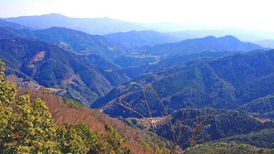 【周辺】肱川の山並み