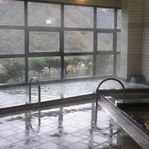 鹿野川荘大浴場