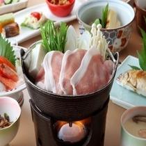 【日光ひみつ豚の鍋】脂身の甘さに定評があります。