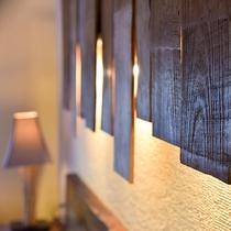 *〔天空〕お部屋には木材を生かし、落ち着きの中にモダンな雰囲気を感じていただけます。