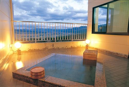 【露天風呂付和洋室】和室12畳+和室12畳+ベッドルーム