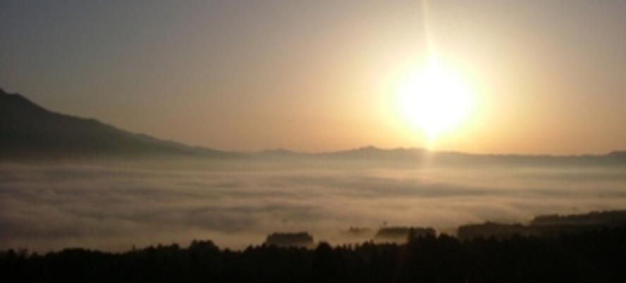 明け方の雲海341*750