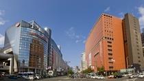 【天神・渡辺通り】写真提供:福岡市
