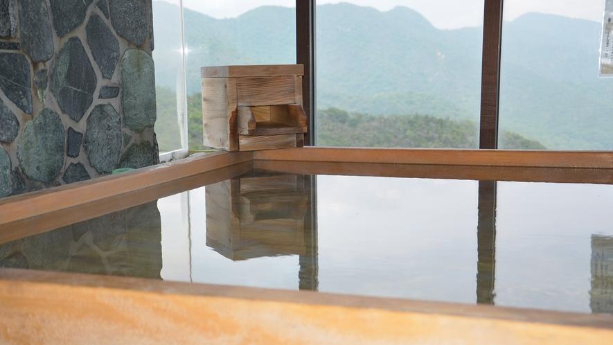 瀬戸内海を望む癒しの風呂