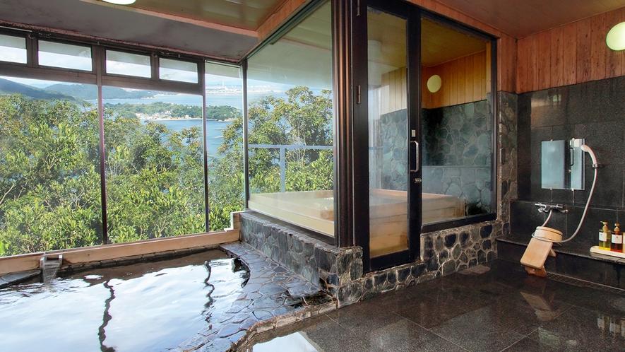 小さなお風呂から臨む壮大な景色