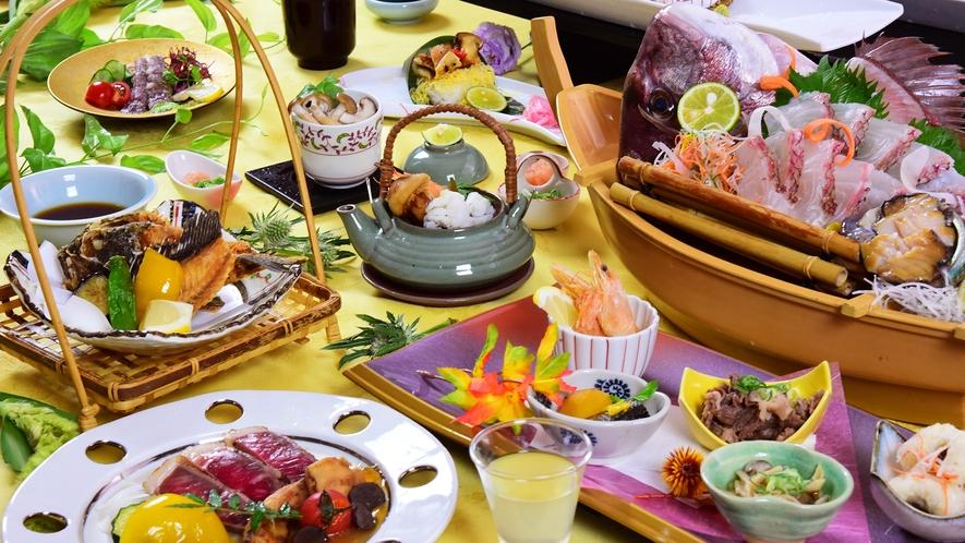 旬の食材をふんだんに、贅沢に使用した会席料理をお楽しみいただける万葉岬最高の豪華おもてなし会席。
