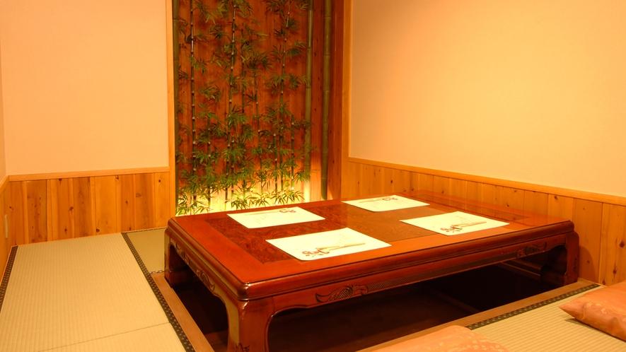 個室は座敷と掘りごたつのお部屋をご用意しております
