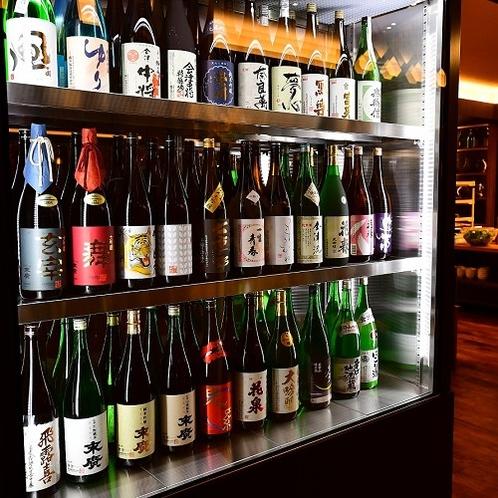 ダイニング本丸 ビュッフェ会場では、会津の日本酒を多数ご用意しております。